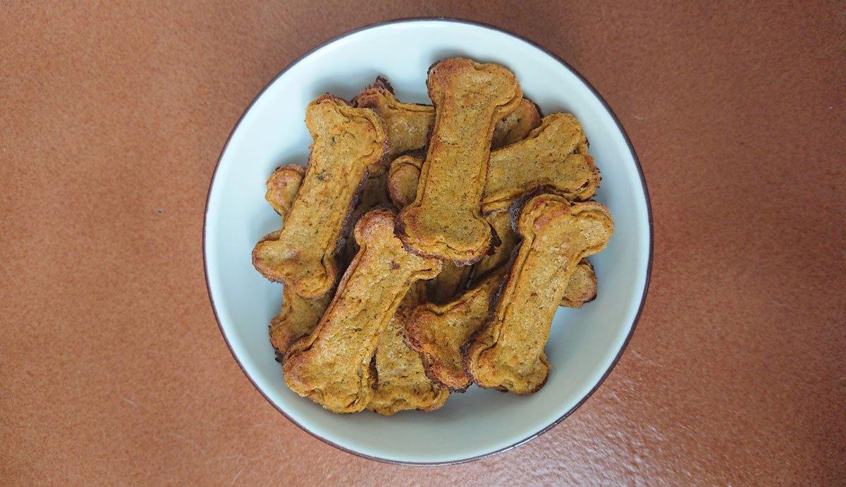 galletas de sardinas para perros y gatos