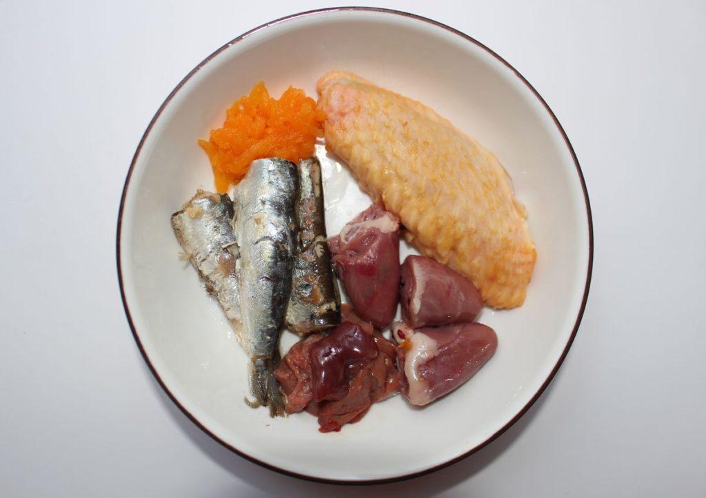 menú BARF de pescado para gatos